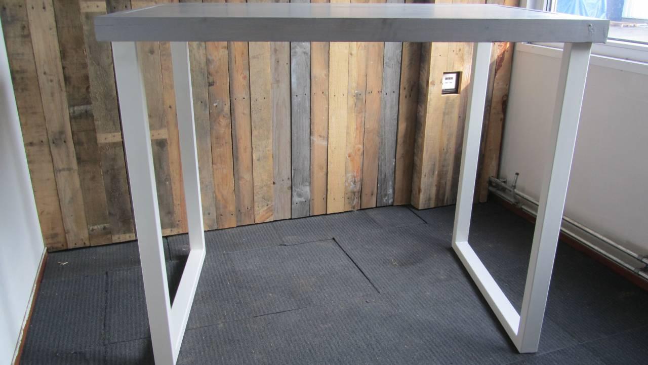 Barset stalen frame houten blad