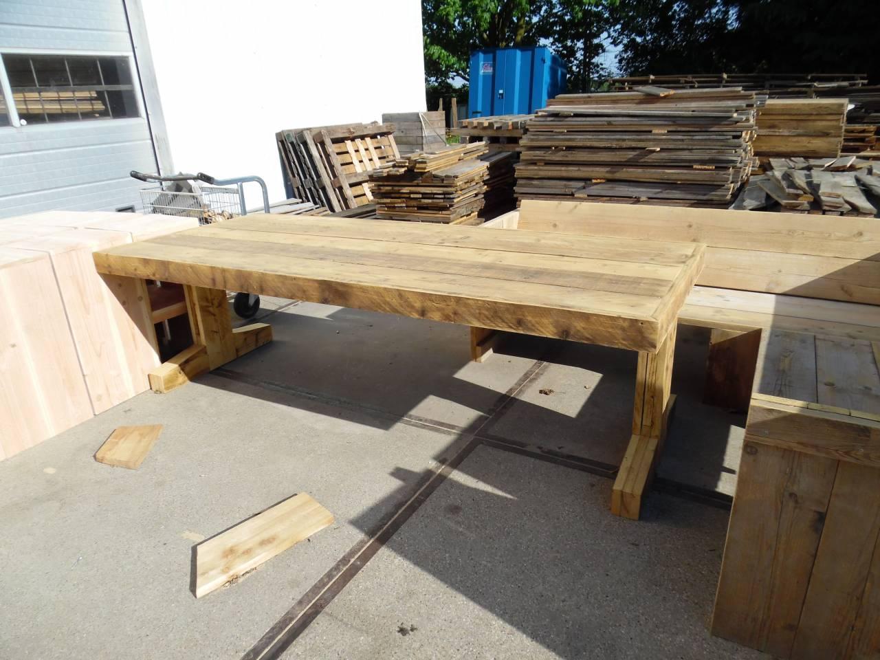 Tafel van steigerhout T-Poot