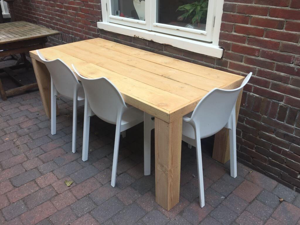 Tafel voor binnen en buitengebruik van douglas hout for Hout voor tafel