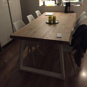 Tafels nieuw hout